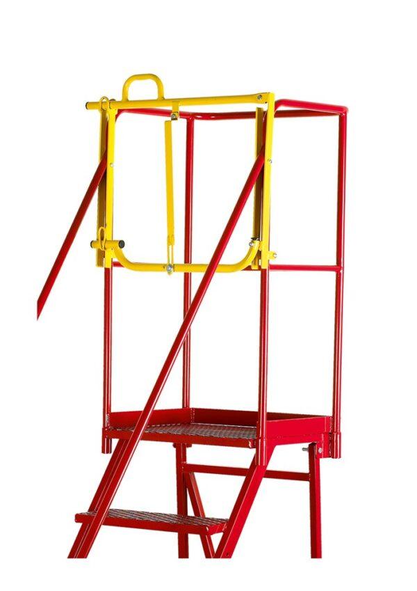 Escalera de acero con acceso de seguridad | Safeway360